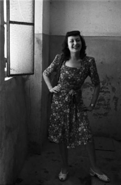 1945, soggetto femminile (e l'arte di arrangiarsi nelle miserie dell'immediato dopoguerra). Baia del Re-Naviglio Pavese