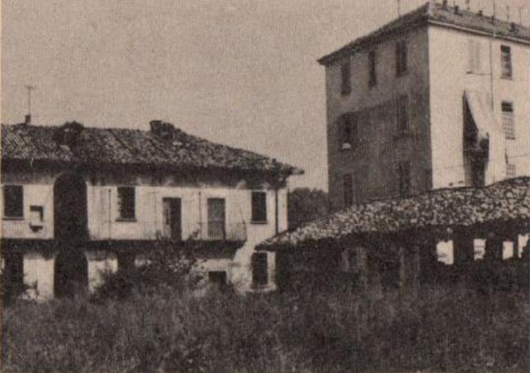 """Immagine qualificata come """"Cascina Boffaloretta"""", Milano Barona, nel 1970 circa. (Fonte fotografica: Verdinavigli web) Inserimento del 14/9/18"""
