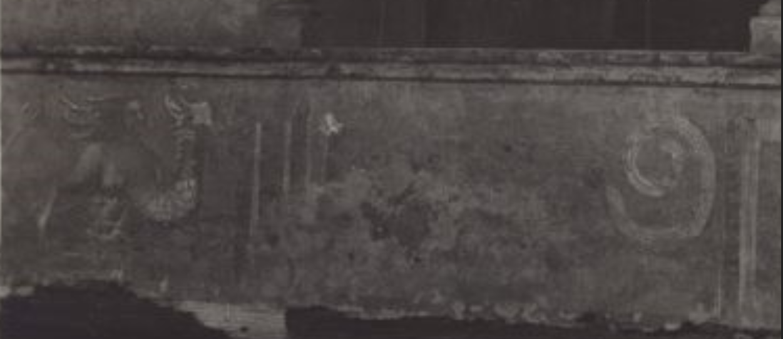 """Dettagli affreschi Cascina Palazzo nel 1920 (raffigurazioni che si riferiscono a temi del """"mito"""" ?)."""