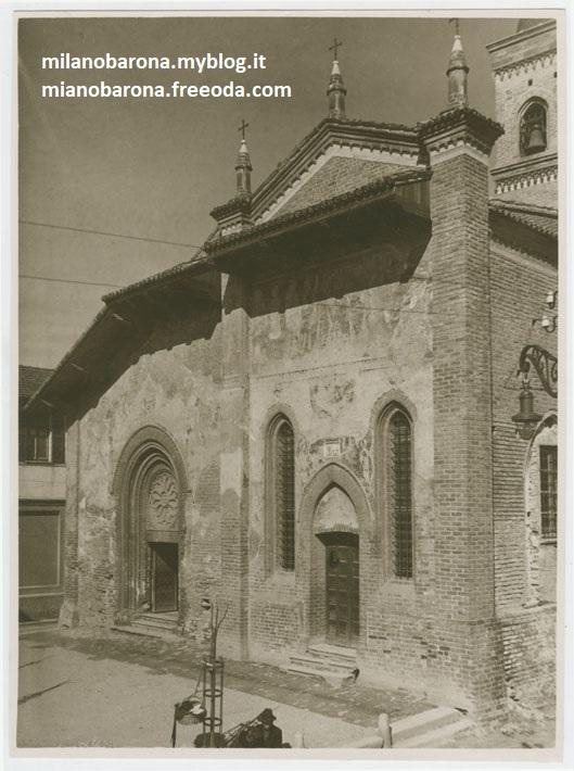 Milano 1920 circa. Barona, facciata originale d'epoca della Chiesa San Cristoforo (lontano dai progetti di restaurazione, recpurero e conservazione pianificati solo oltre il secondo dopoguerra del 1900).
