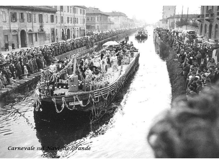Milano Barona, Carnevale sul Naviglio Grande, dal Ponte di San Cristoforo, anni '50