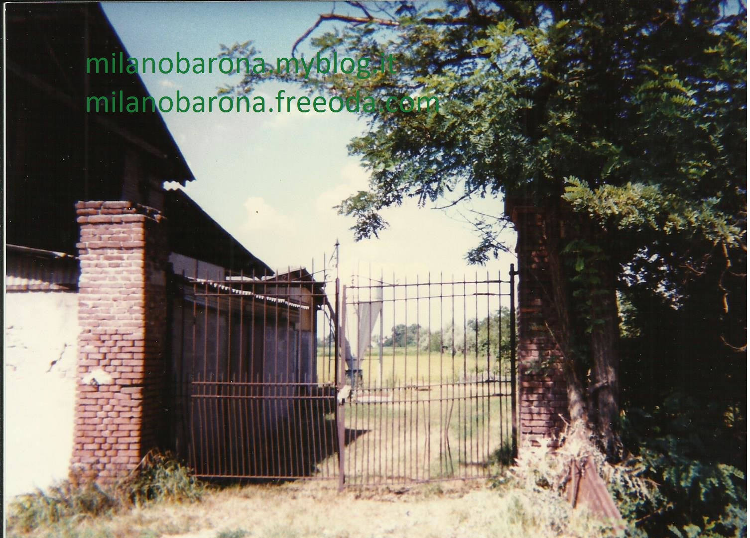 Milano 1995. Barona, Via Gattinara. Fonte fotografica proprietaria.