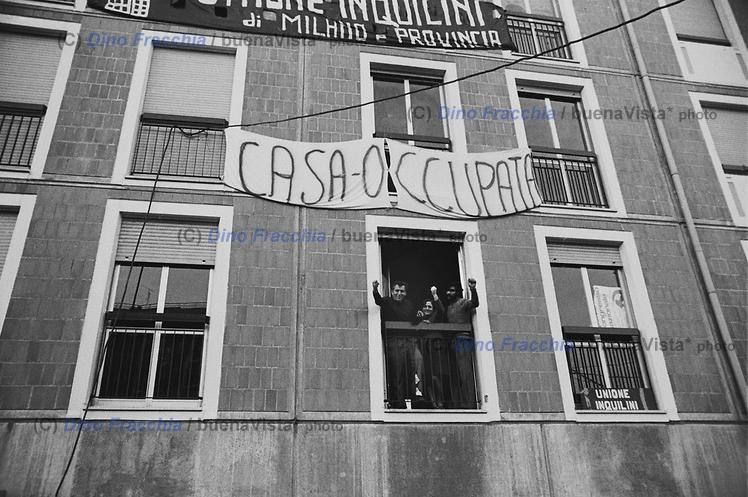 Occupazioni abusive Cantiere IACP Viale Famagosta/ Via Lope de Vega nel 1974 (archivio Dino Fracchia)