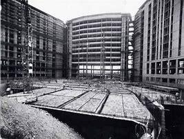 Ospedale S. Paolo alla Barona in costruzione-1970 circa (Fonte : Lombardia Beni Culturali)