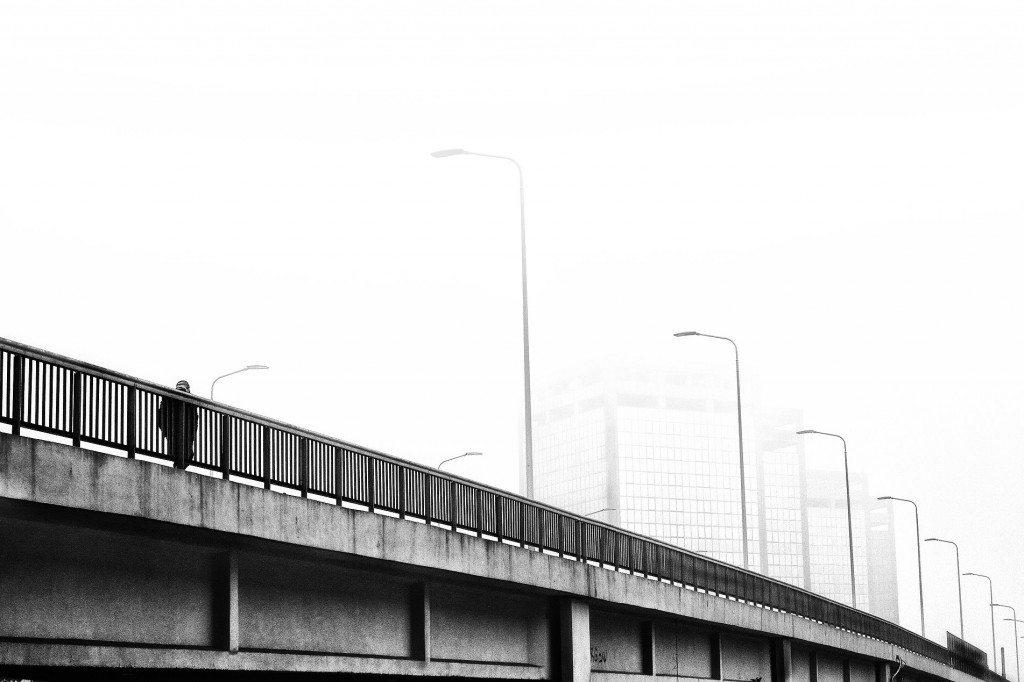 Milano Barona-Ponte Don Luigi Milani, Torri Ligresti, anni '2000. Sotto di esso vi scorre il Naviglio Grande, lungo la Via Lodovico il Moro.
