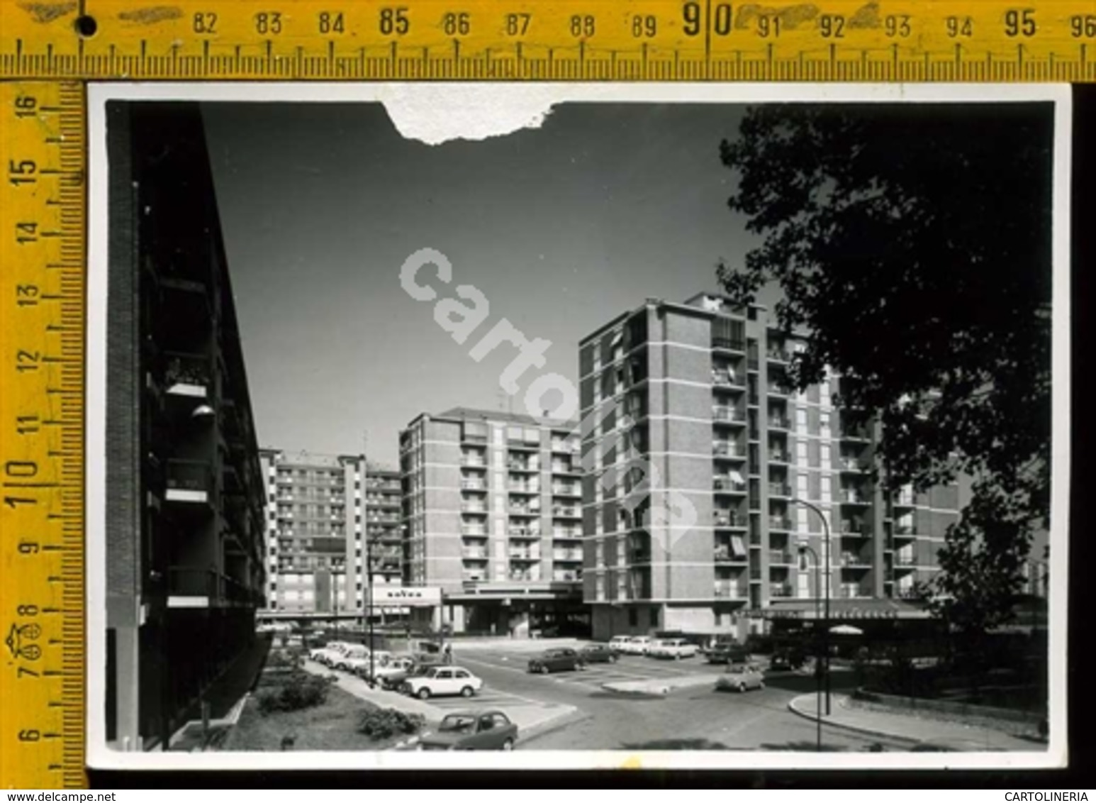 Milano Barona fine anni '60. Quartiere Torretta, Via Renzo e Lucia. Fonte delcampe.net