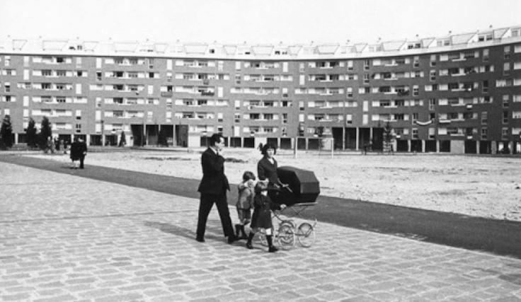 Milano Barona. Quartiere Sant'ambrogio 1 1966 circa. (da pinterest.it)