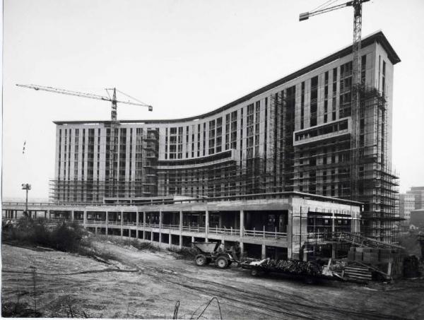 Via Ovada, 1970 circa. cantiere Ospedale San Paolo
