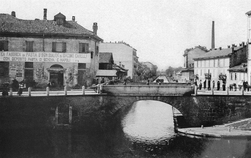 Naviglio Pavese (dalla Darsena), primi del '900 (da Milano città d'acqua).