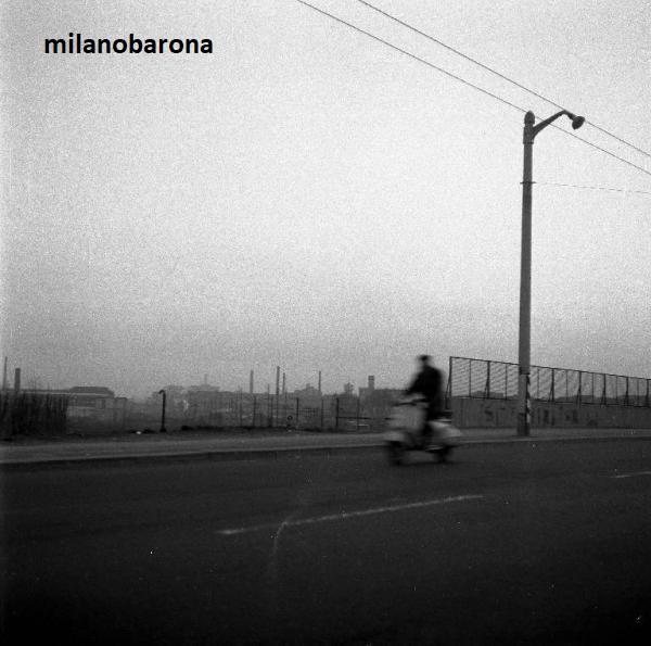 """Milano 1955 circa, Ghisolfa, Cavalcavia Adriano Bacula detto """"Ponte della Ghisolfa"""". (fonte web portale Lombardia beni culturali)"""