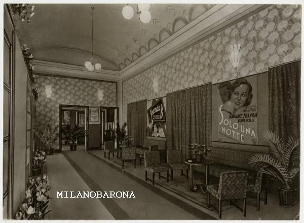 Milano Porta Genova 1930 circa. Cinema teatro REX di Corso Genova angolo Cesare da Sesto. (fonte fotografica Lombardia beni culturali)