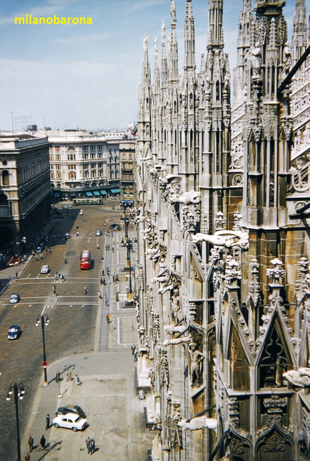 Duomo, lato Palazzo Reale, 1956. Fonte venets.wordpress