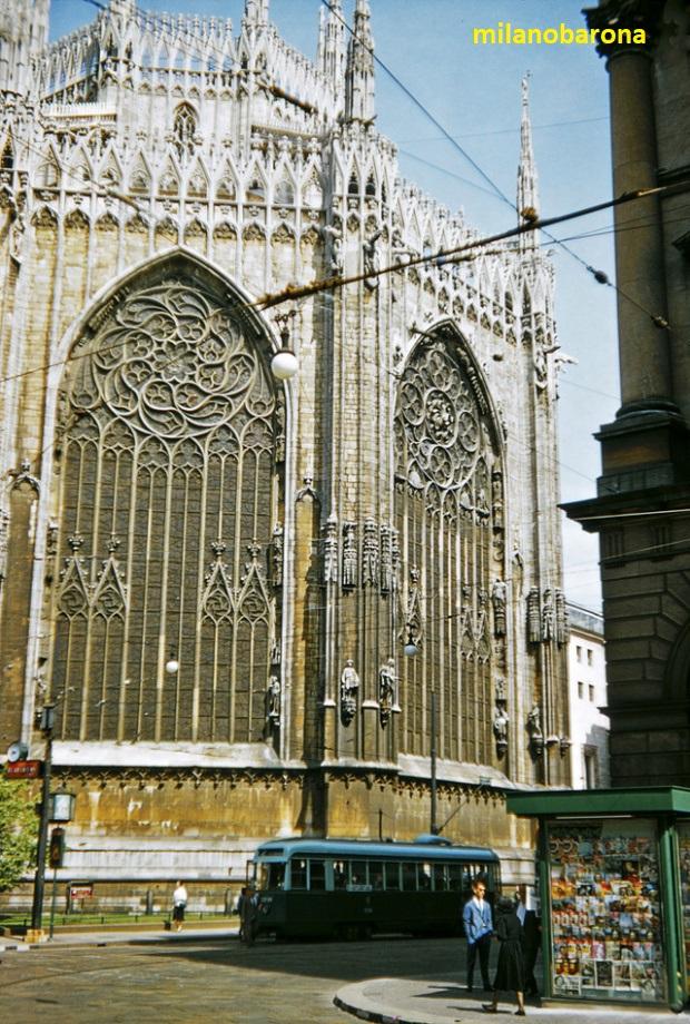 Lato absidale del Duomo da Via Pattari nel 1956. Fonte venets.wordpress