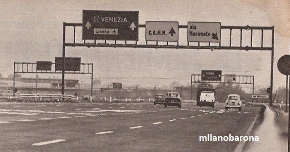 Linea di confine comuni Milano-S.Donato Milanese. Tangenziale Est nel 1972, corsia direzione Cascina Gobba. (fonte fotografica maggiolinomane.blogspot)