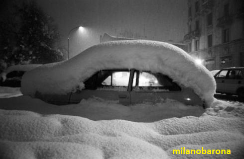 Milano 1985. 14 Gennaio (circa). La storica nevicata da 80 cm (1 metro nelle periferie).