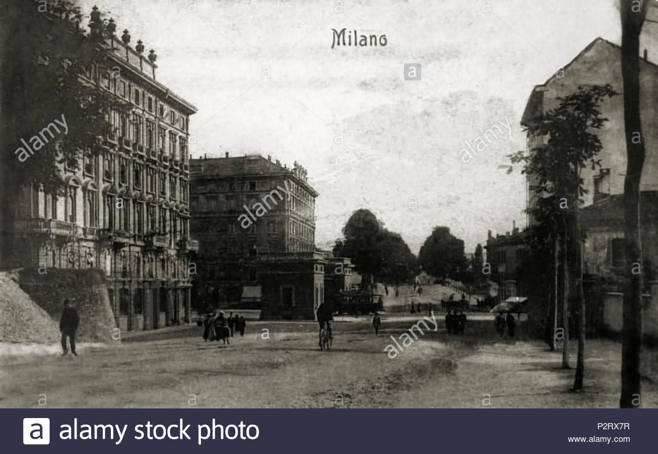 Porta Monforte primi del 900. Attuale Piazza Del Tricolore alla intersezione con Viale Majno e Viale Bianca Maria.