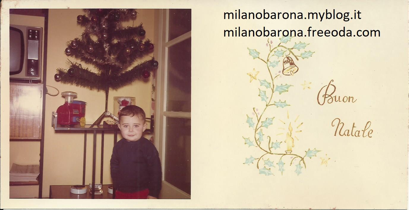 Fotografia formato cartolina natalizia del 1967. Scattata nel Dicembre 1967 in un condominio del quartiere Barona. (fonte fotografica proprietaria)