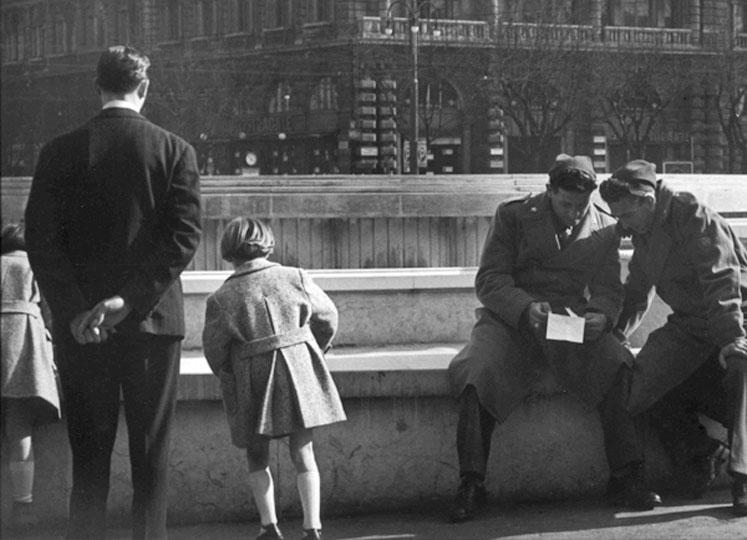 Piazza Castello anni '60. Autore Roberto Spampinato, fonte web admiraphotography