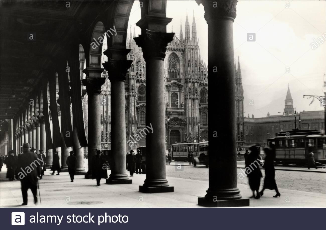 Piazza Duomo 1935. Portici Settentrionali.