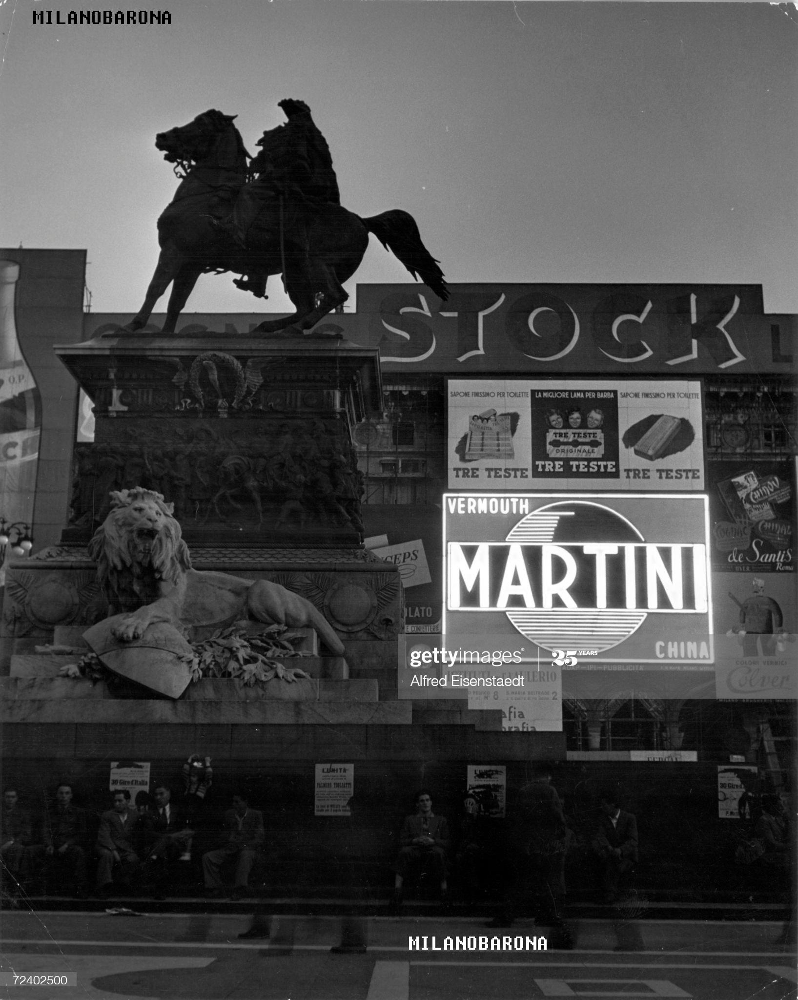 Piazza Duomo primi anni '50 del 1900. Autore foto Alfred Eisenstaedt, fonte Gettyimages Japan