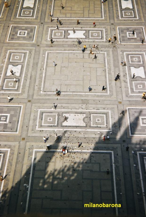 Piazza e Sagrato del Duomo, visto dalla sommità della Cattedrale nel 1956. Fonte venets.wordpress