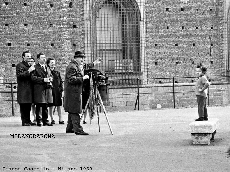 Piazza Castello fine anni '60. (autore Davide Mengacci, raccolta omonima)