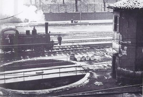 Milano Cadorna, terminale ferroviario Ferrovie Nord Milano nel 1930 circa. (twitter hashtag/InMovimento)