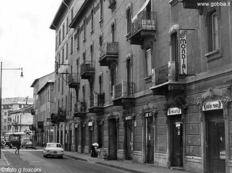 Milano 1974, Crescenzago-Cascina Gobba, Via Adriano. (fonte web lagobba.it)