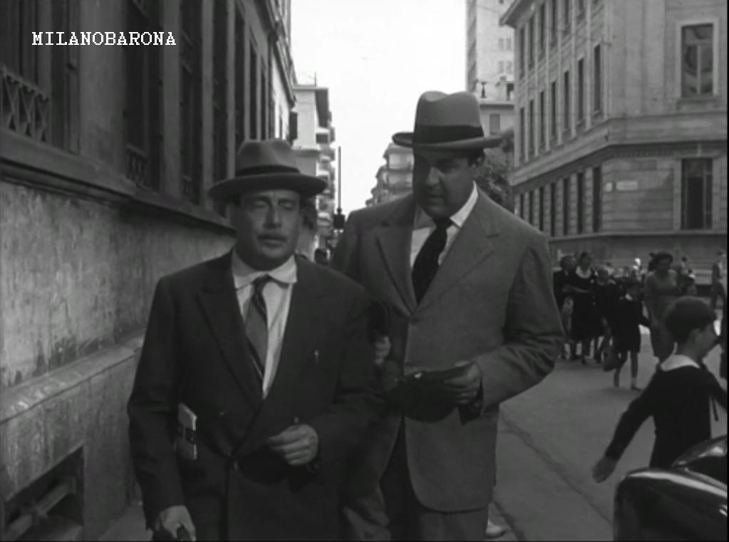 Milano 1954. Tra Porta Genova e San Vittore. Via Ariberto all'intersezione con Via San Vincenzo (fonte ciematografica)
