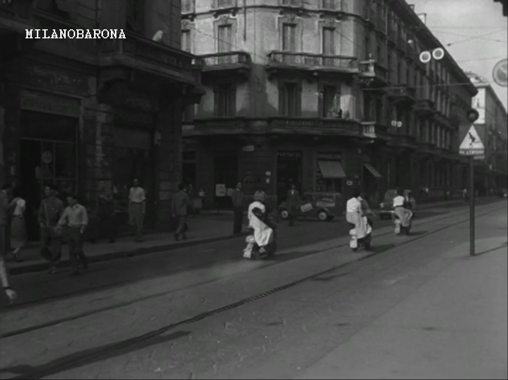 Milano 1954. Porta Genova (limitrofa a San Vittore), Via Ausonio incrocio con Via Ariberto. (Fonte immagine cinematografica)