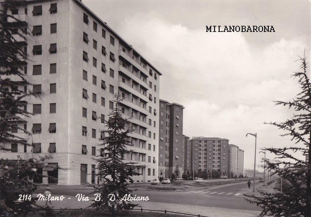 Milano 1960 circa, Lorenteggio. Piazza Pietro Frattini e Via Bartolomeo Dalviano (verso Piazza Bande Nere). (fonte : hiveminer.com)