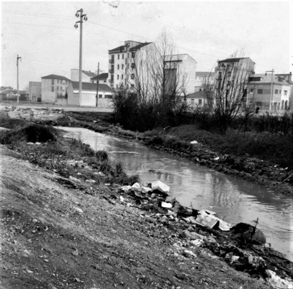 Via Bari, incrocio Via Santa Rita da Cascia verso Via Modica e Via Portaluppi, 1963 circa