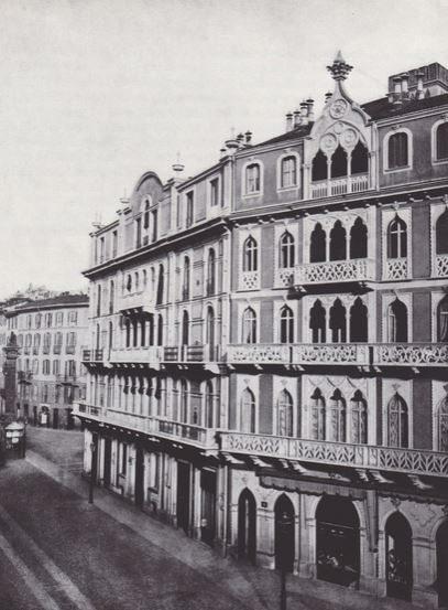 Casa Veneziana (se esistesse tutt'oggi sarebbe localizzata all'anglo con Corso Monforte) demolita negli anni '30 secondo l'attuazione del Piano Regolatore Albertini e antecedenti.