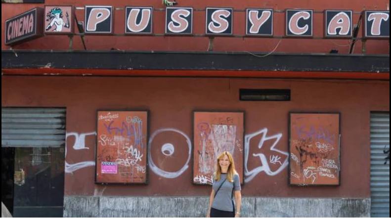 """Ex cinema Cittanova, poi sala a luci rosse """"Pussycat"""" sito alla fine di Via Giambellino (fonte immagine ilgiorno.milano)"""