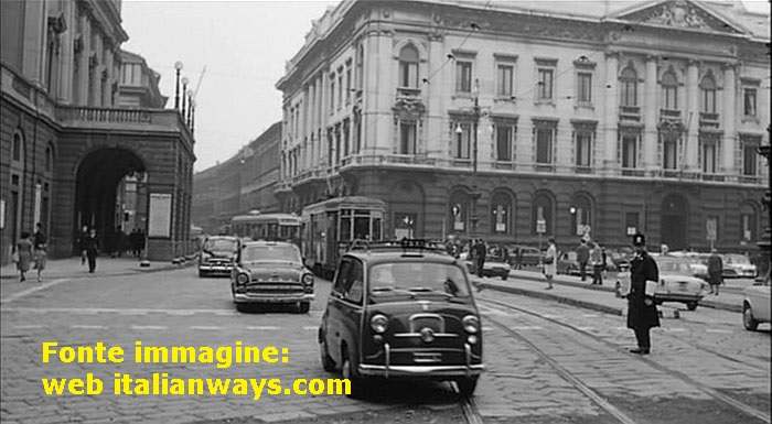 Taxi FIAT Multipla, verde ministeriale, 1956, Piazza della Scala.
