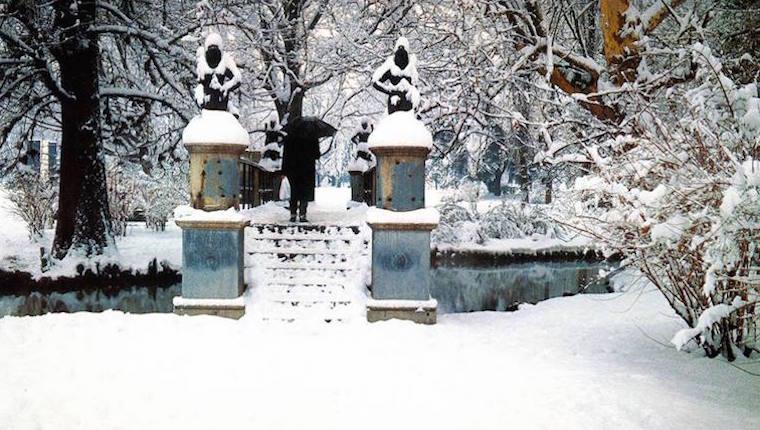 Giardini Pubblici di Porta Venezia. Il Ponte delle Sirene durante la nevicata del Gennaio 1985. (fonte : web ilmilaneseimbruttito)