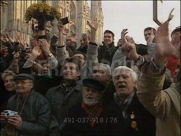 michail-gorbaciov-galleria-vittorio-emanuele-footage