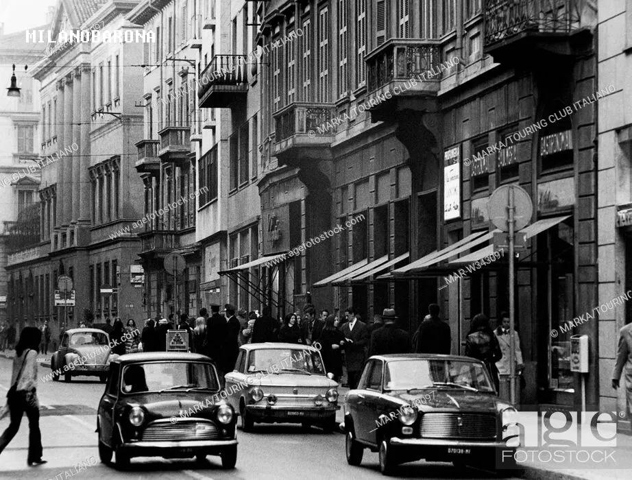 Via Montenapoleone 1970 circa. Fonte immagine sovraimpressa nella medesima.