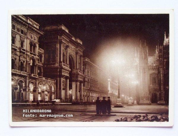 Piazza Duomo e arco Galleria Vittorio Emanuele nel 1941. Fonte: web maremagnum