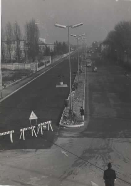Forlanini-Taliedo 1960 circa. Ampliamento e spartitraffico centrale in Viale Forlanini, 1960 circa. (fonte web Lombardia beni culturali)