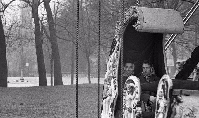 Parco Sempione 1959. Viale Gadio. (autore Cesare Colombo, web corriere.it)