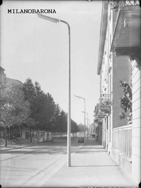 Milano 1957 (tra Ticinese, Vigentino e Porta Romana). Viale Toscana. (fonte fotografica Lombardia beni culturali)